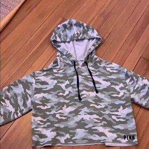 Long sleeved camo shirt/huddie